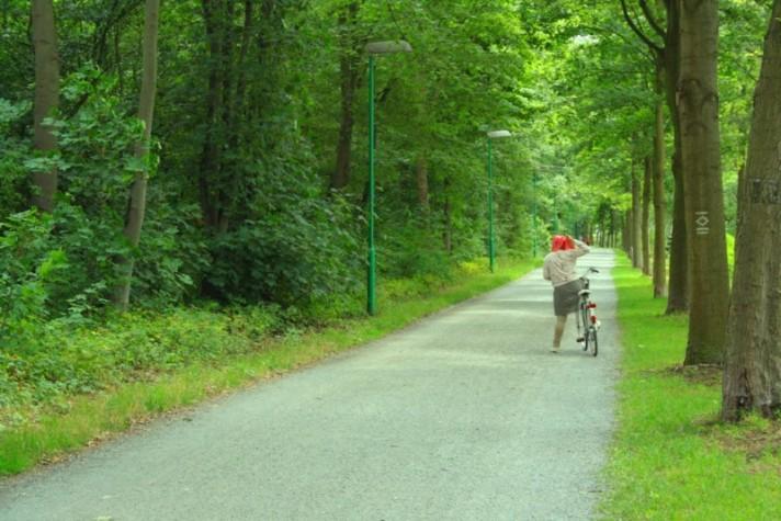 trek sepeda ke arah Duesseldorf